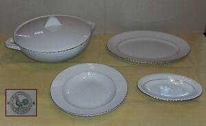 Ceramica-GALVANI-Pordenone-Zuppiera-con-coperchio-e-3-piatti-con-bordo-dorato