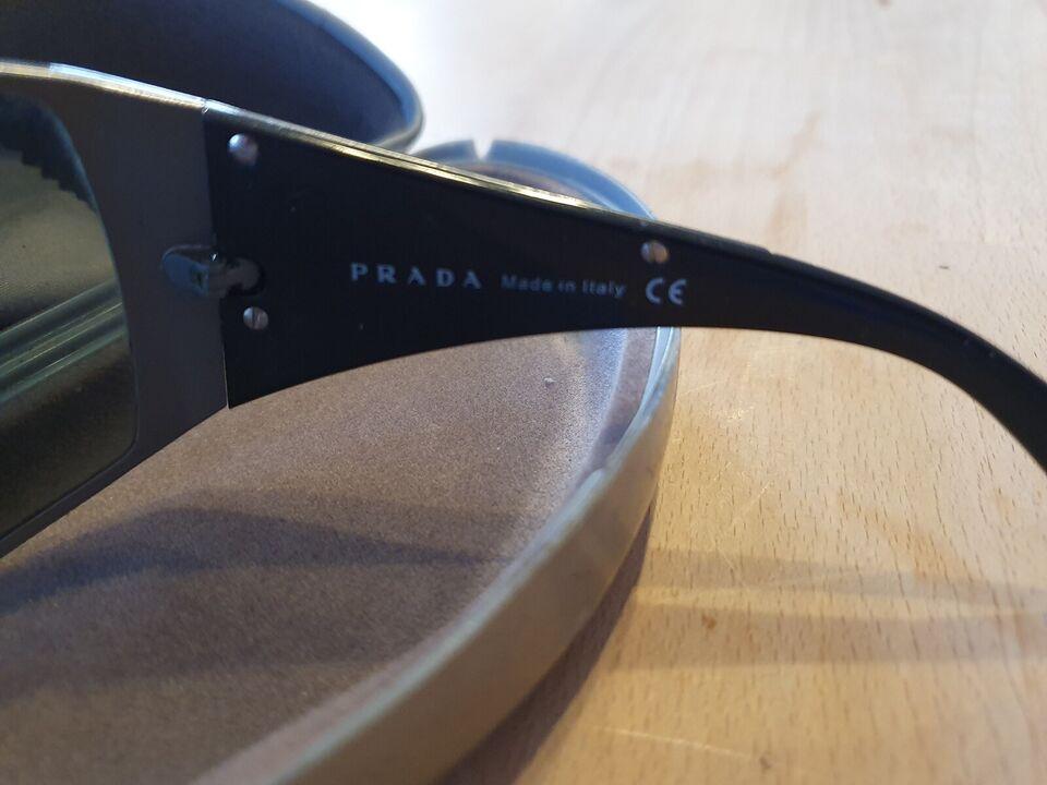 Solbriller herre, Prada