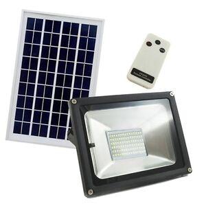 Faretto a led con pannello solare da esterno luce fredda - Doccia da esterno con pannello solare ...