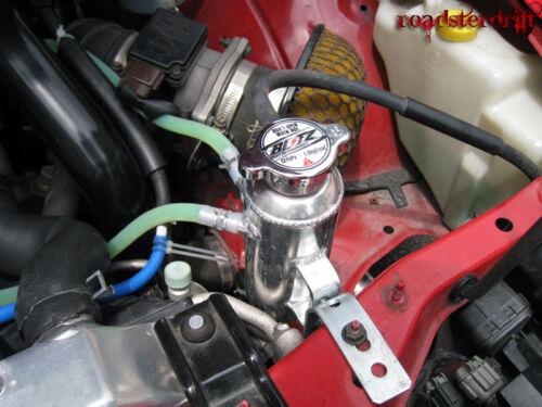 Universal Engine Coolant Cooler Radiator Overflow Breather Tank Can Aluminum Kit