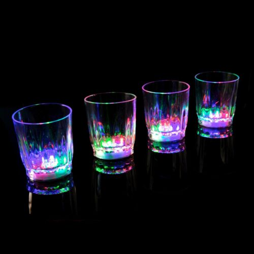 24 Plastik LED Blinkende Shot Gläser Aufleuchtend Barzubehör Party Hochzeit UK