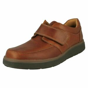 Clarks-Un-Abode-Strap-Mens-Tan-Leather-Wide-Fit-Lightweight-Touch-Fasten-Shoes
