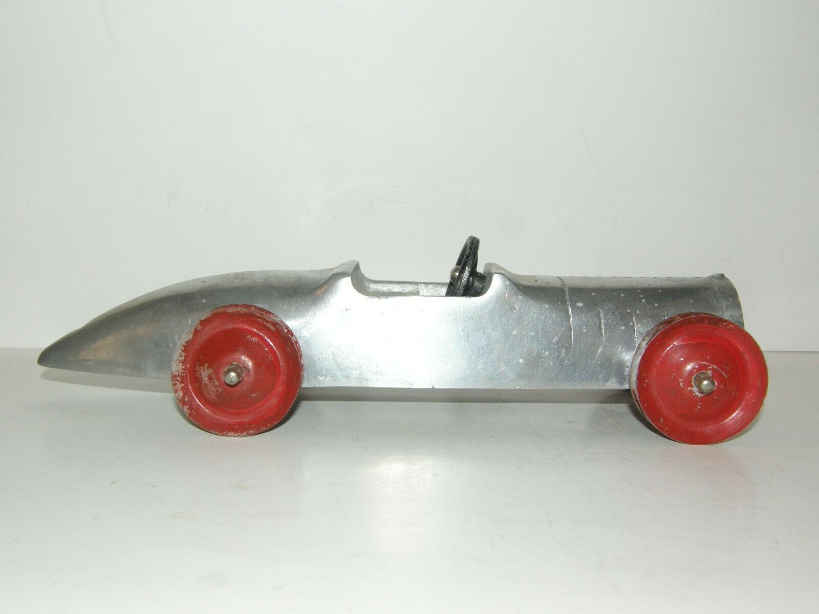 CLEVELAND TOY  CO. BOAT TAIL RACER CAST ALUMINUM 1930's era  contre authentique