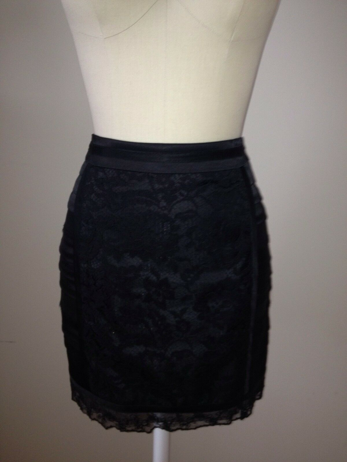 Nanette Lepore Lace And Silk Skirt  Very Flattering. Size 4.
