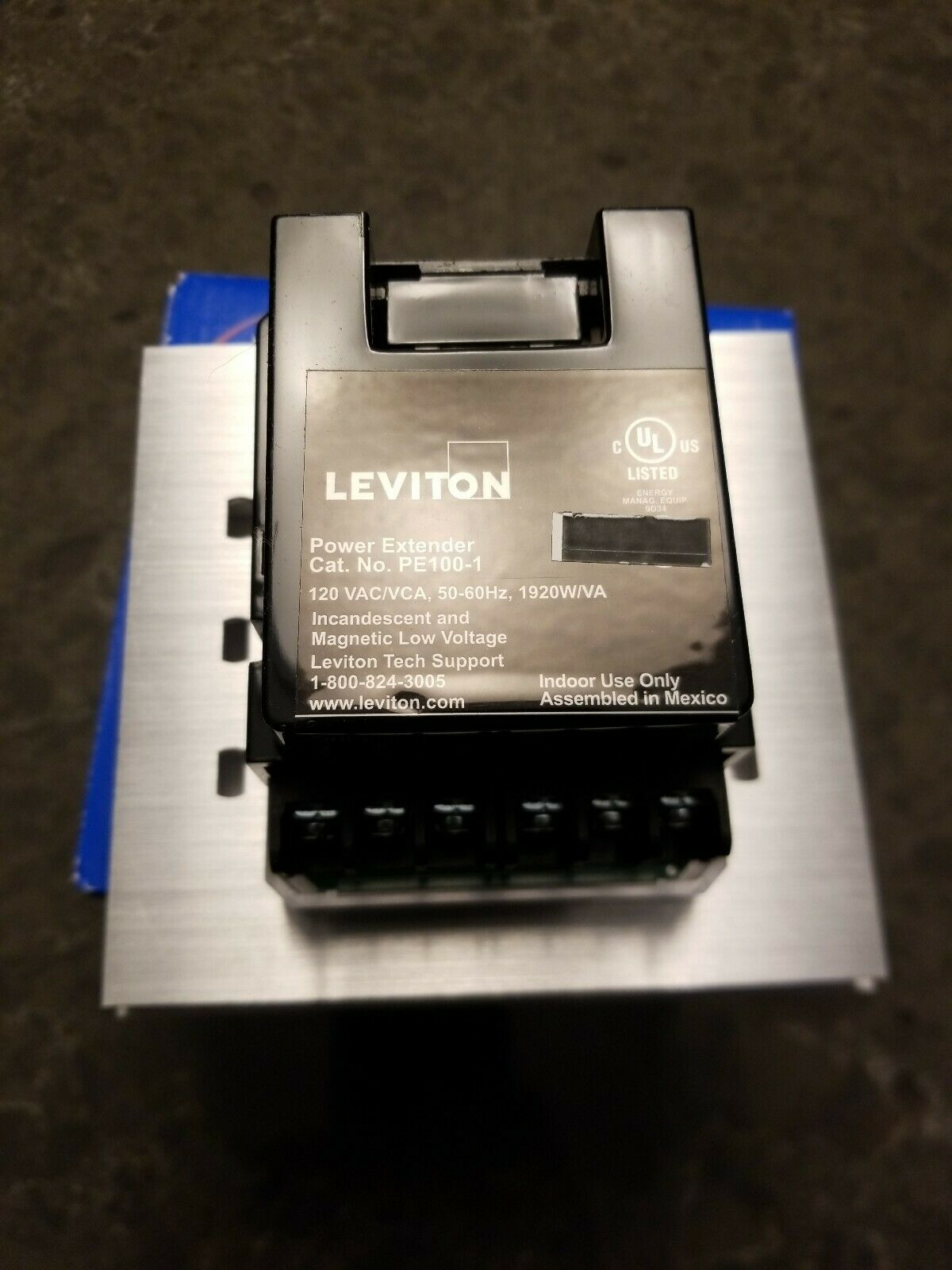 120V LEVITON PE100-10W POWER EXTENDER INCANDESCENT /& MAGNETIC LOW-VOLTAGE WHIT