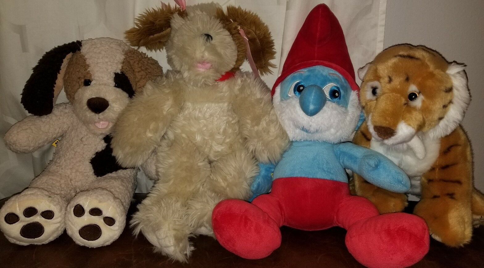 4 plush stuffed build a bear lot papa Smurf, dogs, saber tooth tiger