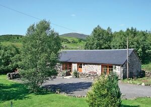 Scottish-Highlands-Holiday-Cairngorms-Bungalow-with-hot-tub