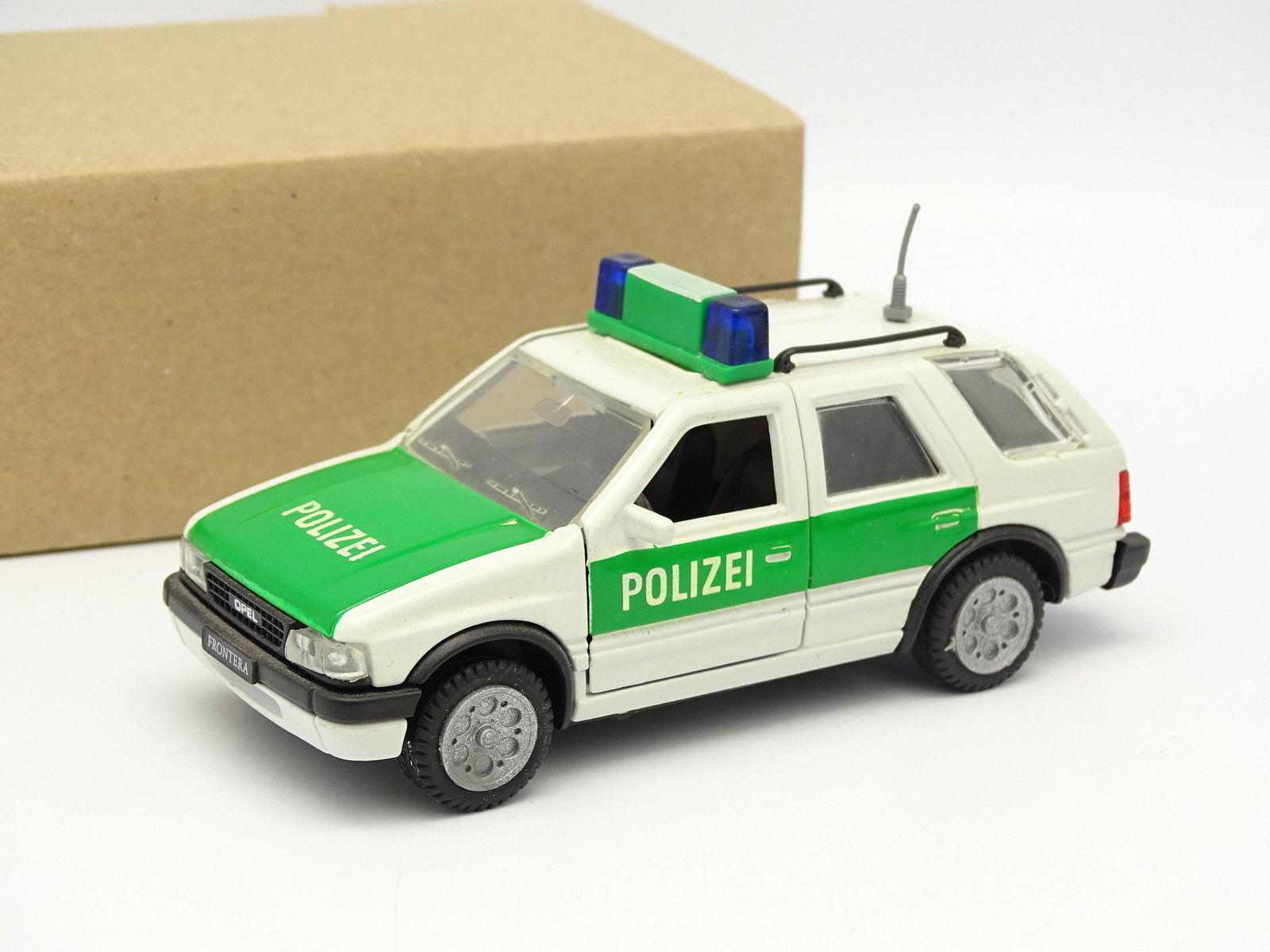 Gama SB 1 43 - Opel Frontera Polizei