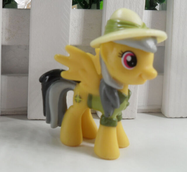 NEW  MY LITTLE PONY FRIENDSHIP IS MAGIC RARITY FIGURE FREE SHIPPING  AW +  30
