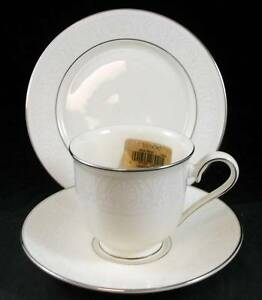 Lenox-COURTYARD-PLATINUM-Bread-amp-Butter-Plate-Cup-amp-Saucer-SHOWROOM-INVENTORY