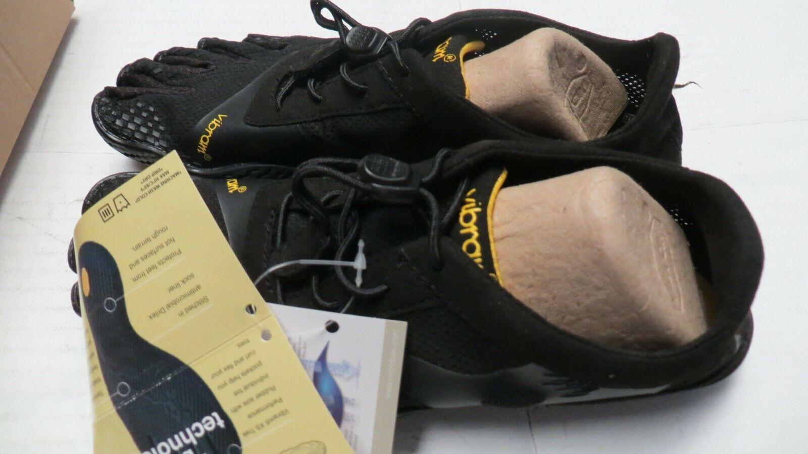 Calzado deportivo fehombresino aislado Vibram Trek Ascent, talla negra 4.0 UK 37 EU