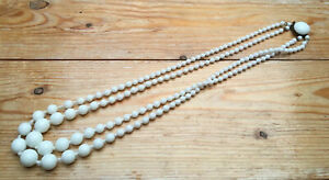 Vintage-1950-s-60-s-Milk-Glass-Necklace-For-Spares-Repairs-Bead-Harvesting