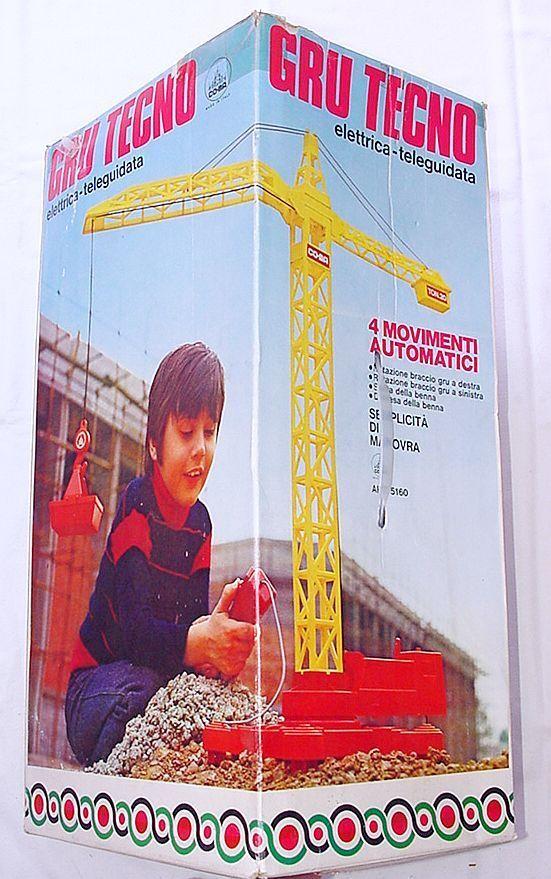 CO-MA  énorme 62 cm Tall Chantier Grue à tour plastique 1970 Comme neuf in box RARE
