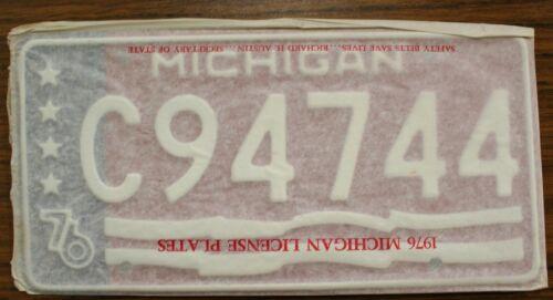 Vintage Original 1976 76 Michigan America/'s Bicentennial License Plate