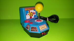 Jakks-Pacific-Ms-Pac-Man-Plug-amp-Play-TV-Game-Handheld-Arcade-Joystick-Namco