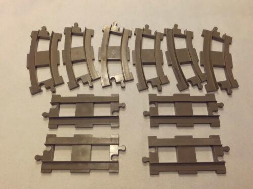 6 gebogene und 4 gerade graue Schienen Lego Duplo Eisenbahn