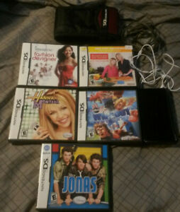 Nintendo DS Lite black w 5 games, carry case, stylus, charger and headphones