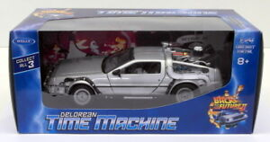 Welly-1-24-scale-DIECAST-22441w-DeLorean-Time-Machine-Back-to-the-Future-II