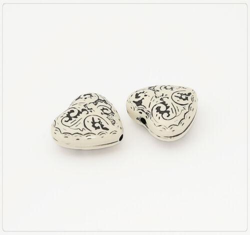 4x Resin résine synthétique Perles Beads Bijoux À faire soi-même Coeur 21x23mm Ivoire//Noir
