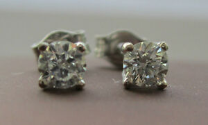 New-1-4-Quarter-of-a-carat-25ct-Diamond-18ct-White-Gold-Stud-Earrings