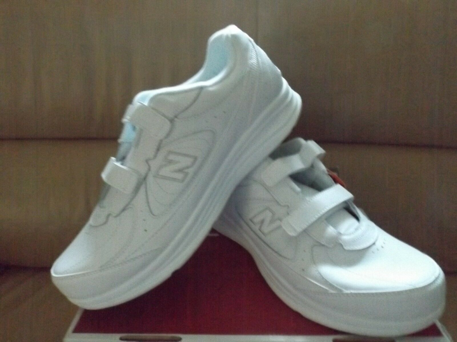 New Balance 577 MW577VW Men's Size 13 (4E XWide) Walking shoes White Leather NEW