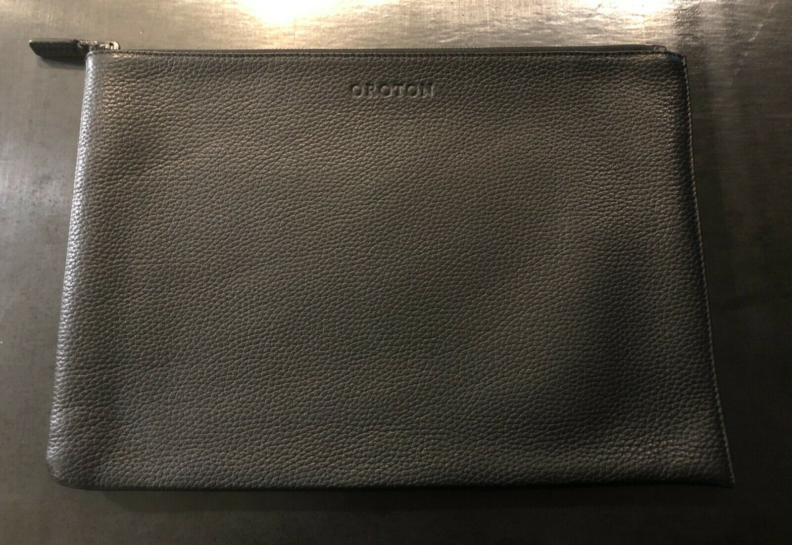 OROTON - Stanford A4 Zip Folio Sleeve - Premium Leather - Usually RRP is AU