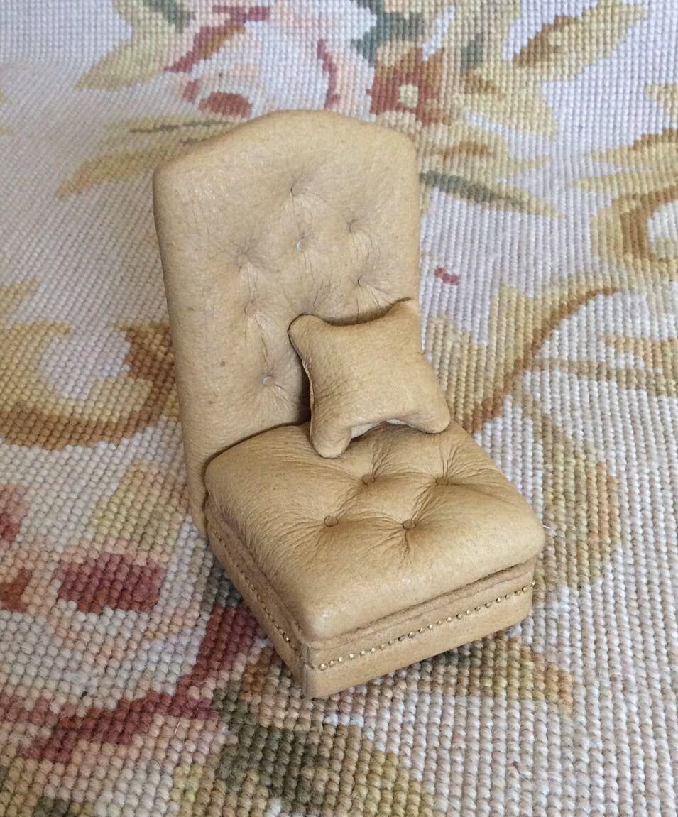 Pat Tyler Dollhouse Miniature Leather Chair Seat W Pillow Tan p412