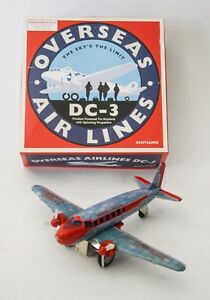 AEREO-OVERSEAS-DC-3-AIR-LINES-SPACE-AGE-VINTAGE-REPRO-GIOCATTOLO-IN-LATTA