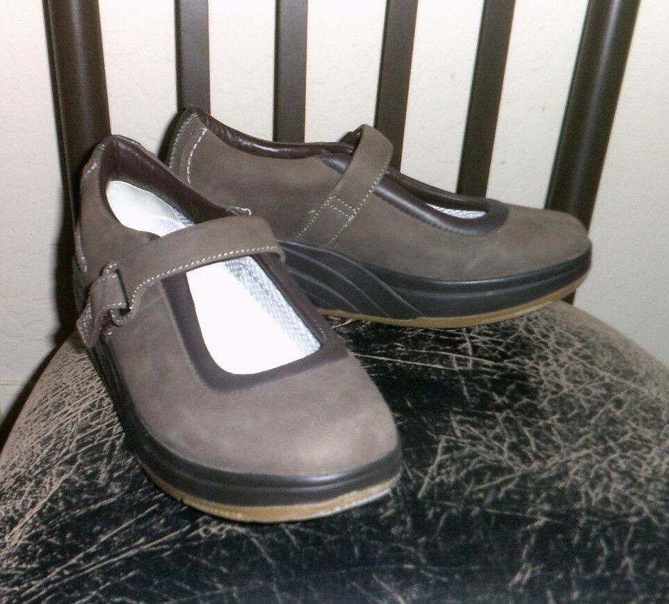 MBT Kaya Brown Nubuck Leather Sz 8.5/39 Casual Mary Jane Walking Shoes EUC