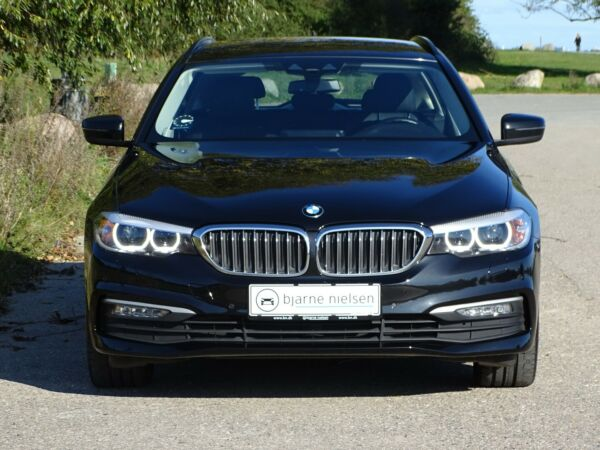 BMW 530d 3,0 Touring xDrive aut. - billede 2