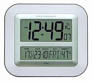 Jumbo-LCD-Radio-Controlled-Wall-Clock-with-Temperature-and-Humidity-display