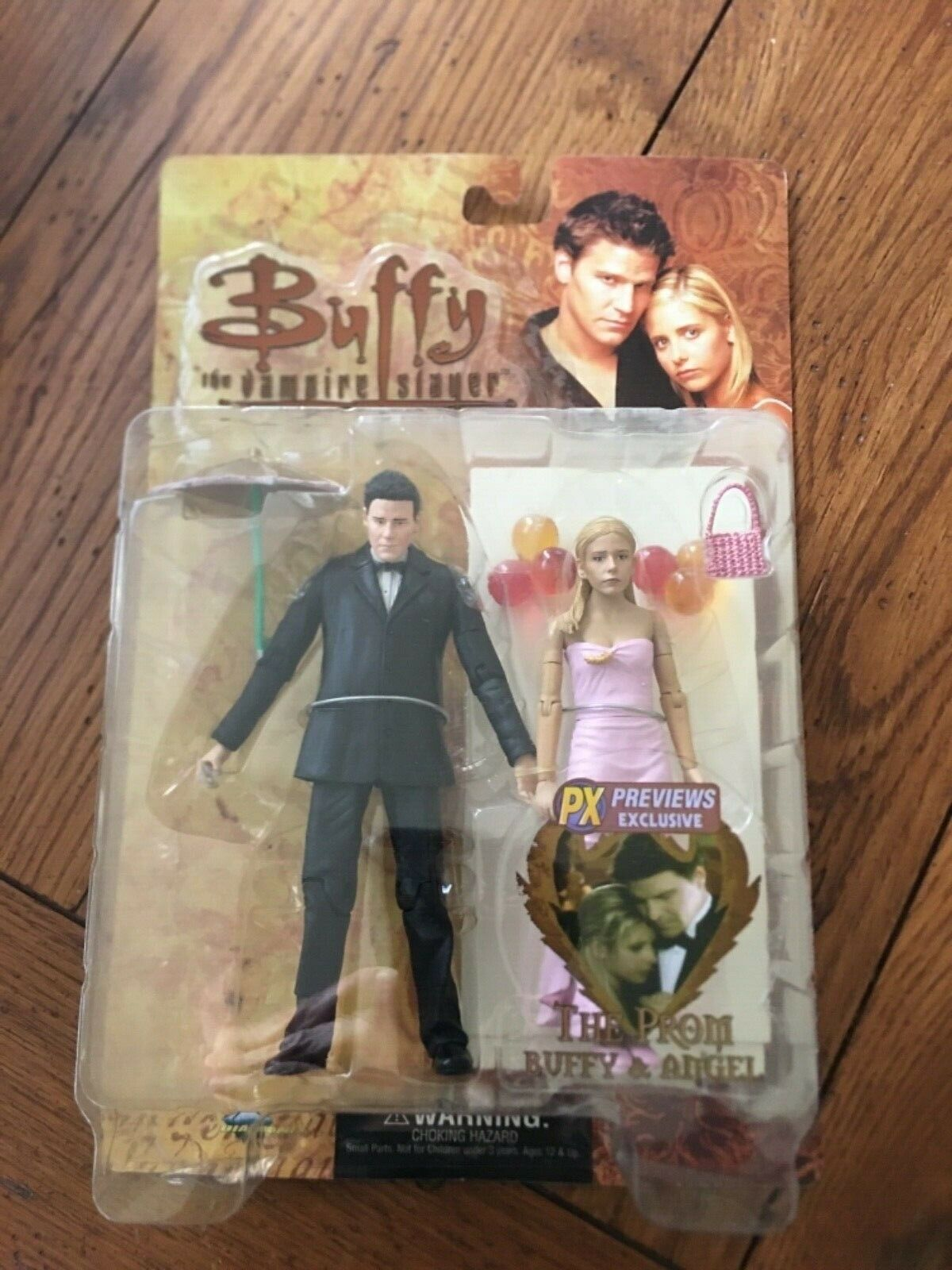 Buffy the Vampire Slayer action figures Prom Buffy and Angel NIP
