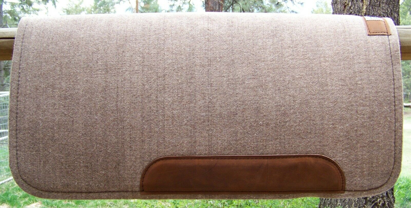 Pad  Cowboy Tan 12x32x32 by Diamond Wool