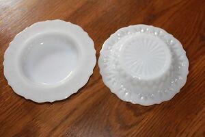 2-Vintage-Milk-Glass-Diamond-pattern-Berry-Salad-Soup-Bowls-scalloped-edge