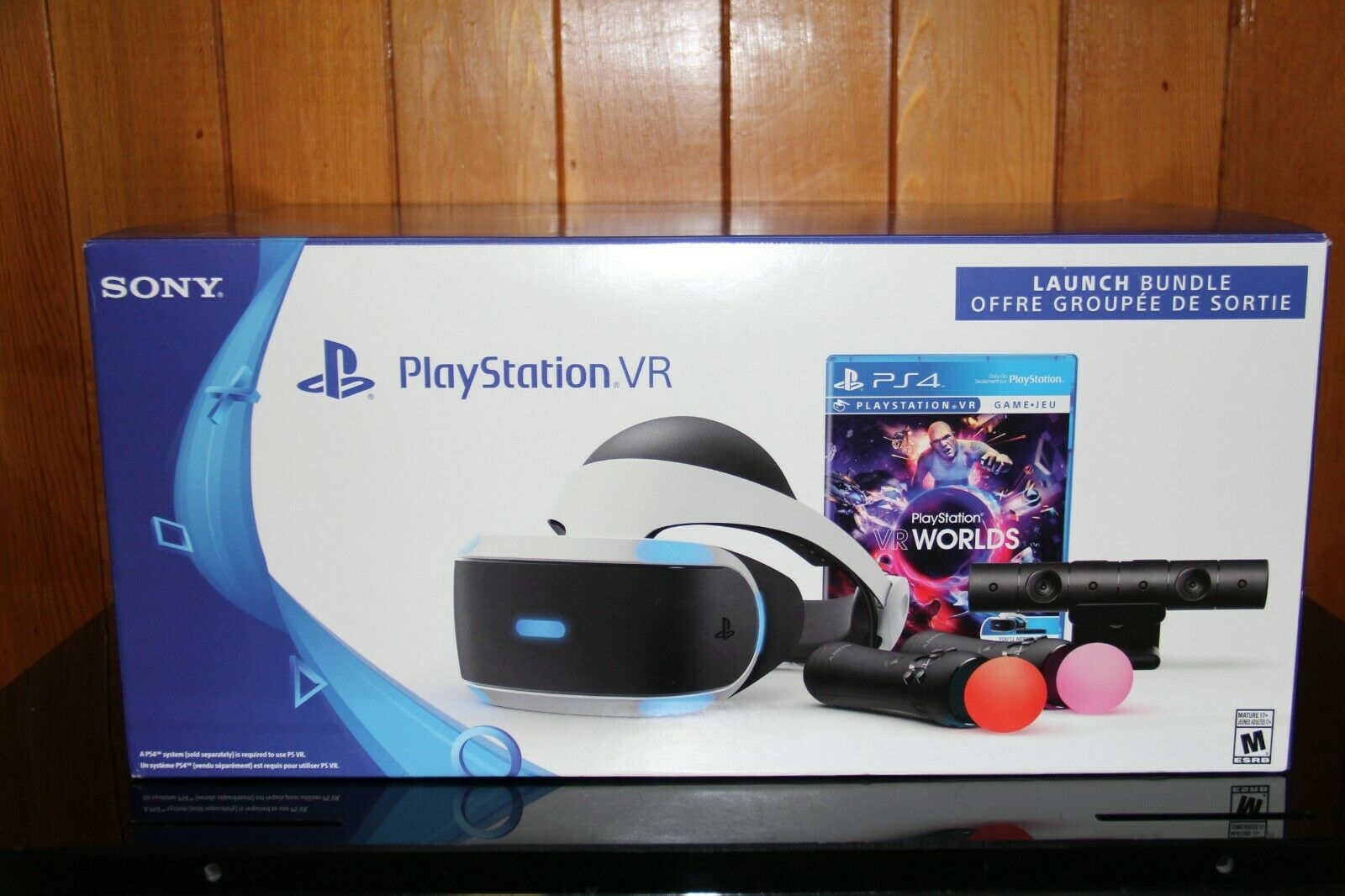 Playstation PS VR Launch Bundle 2 Motion Controllers with PS4 Motion Cam