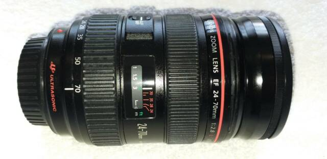 Canon EF 24-70mm f/2.8L USM Lens, Excellent Condition