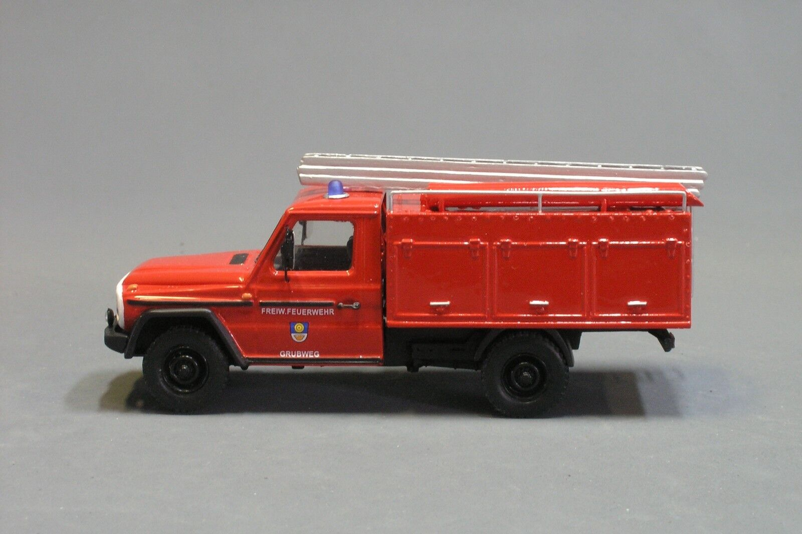 RARE! Mercedes G Class W461 Zeppelin LF-09 Fw Vector Models Hand Made 1/43