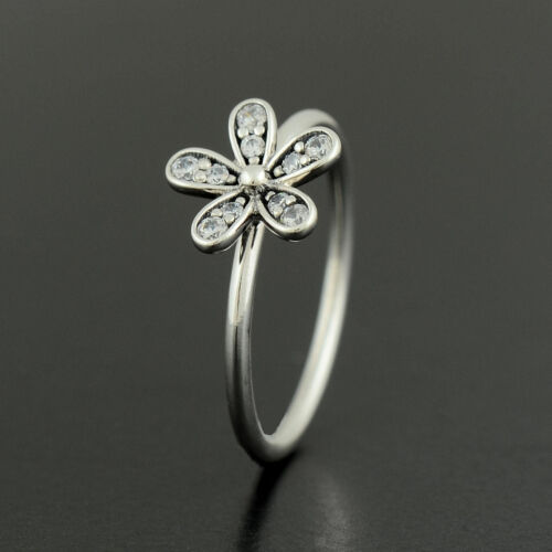 Genuine solid silver sparkling daisy ring all sizes available NEW ARRIVAL