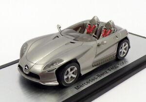 SPARK-auto-modello-IN-SCALA-1-43-S1014-2001-MERCEDES-BENZ-F400-Argento