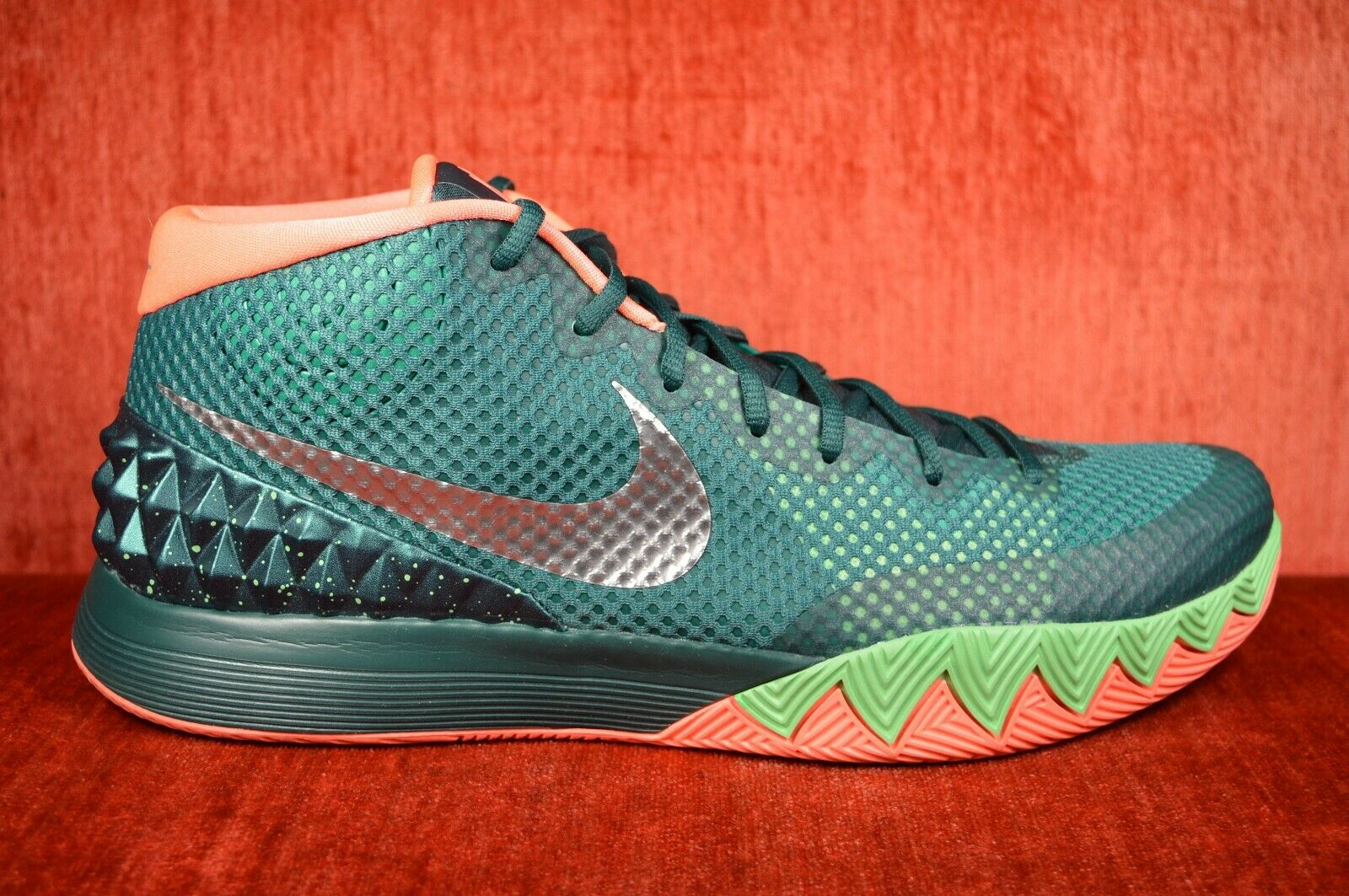 WORN ONCE NIKE KYRIE IRVING 1 FLYTRAP DARK EMERALD 705277 313 SIZE 13