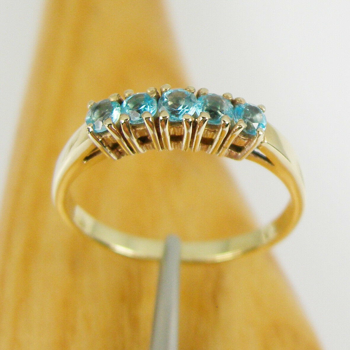 Natural bluee Topaz Gemstone 5 Stone Ring Genuine 375 9k 9ct Yellow gold, R530