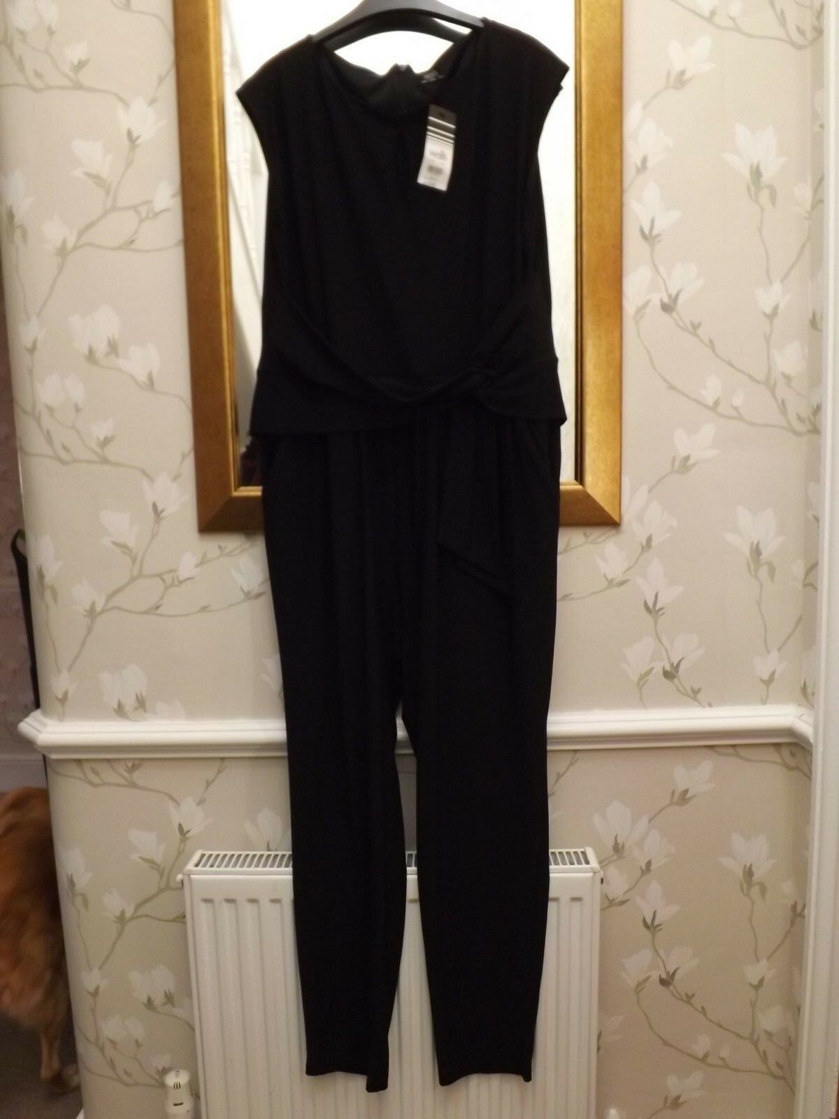 Ladies jumpsuit, size 16 from Wallis BNWT