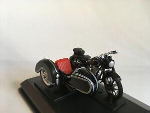 BMW-B-R25-3-Motorrad-Gespann-Cararama-Modell-1-43