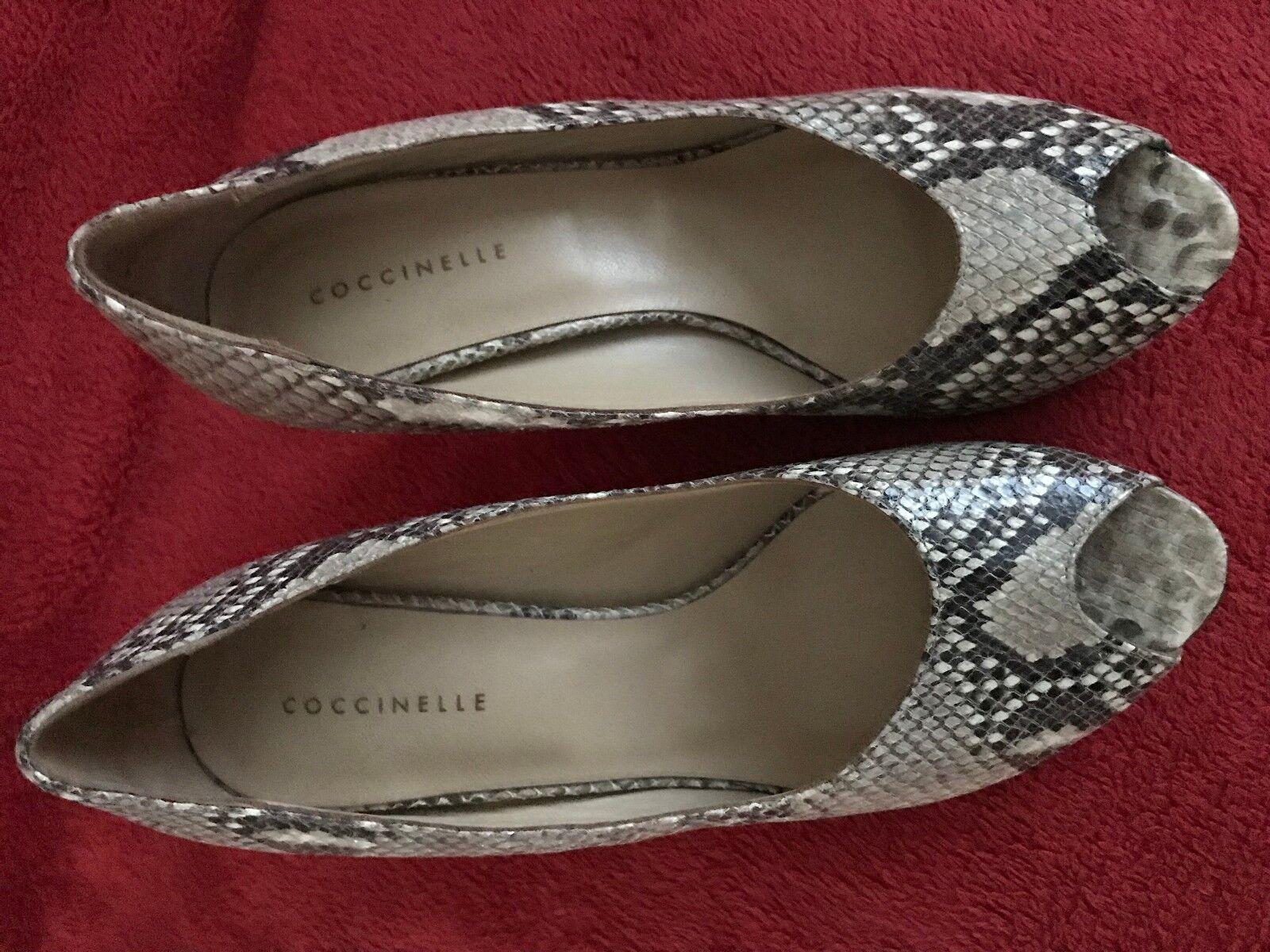 Coccinelle heels beige in size 8   41