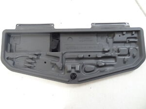 BMW-7er-E38-Werkzeugkasten-Bordwerkzeug-Pannenset-Werkzeug-1180681