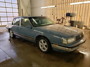 Buick Park Avenue Ultra 1500 obo (comes with a parts car 4full$)