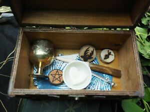 Witches-Travel-Altar-Set-in-Wooden-Chest-Wand-Athame-Chalice-Pentagram