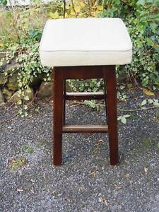 Benches & Stools 1900-1950 Retro Vintage Cream Leatherette Bar Stool With Wooden Frame & Metal Feature Base Skillful Manufacture