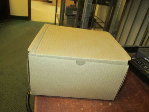 """Cooper//Crouse-Hinds Two Hole Strap Clamp 496 4 Size 100/"""" 3//4/"""" /""""Approx"""