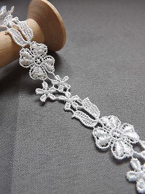 Guipure lace flower applique motif ivory off white 10/22mm Wedding - per Yard
